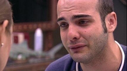 Mahmoud chora com Patrícia: 'Só consegui mostrar meus defeitos'