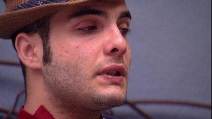 Mahmoud chora e avalia: 'Não sou racional'