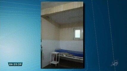 Unidade de saúde em Nova Russas também sofre com o alto volume de chuvas