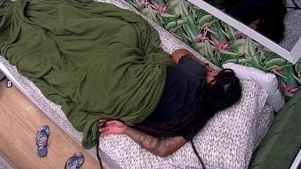 Viegas dorme no Quarto Tropical