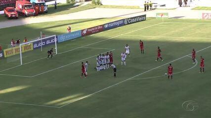 Ratinho faz um belo gol de falta contra o CSE, no Rei Pelé
