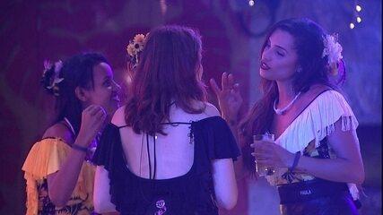 Ana Clara relata a Gleici e Paula papo que teve com Patrícia sobre Kaysar