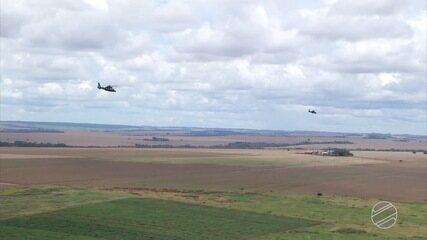 Exército faz operação com helicópteros para fiscalizar fronteira em MS