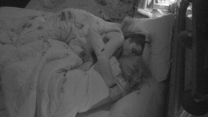 Ana Clara e Paula se abraçam: 'Vai ficar tudo bem'