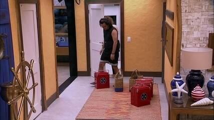 Caruso e Diego recebem as compras do Tá com Tudo