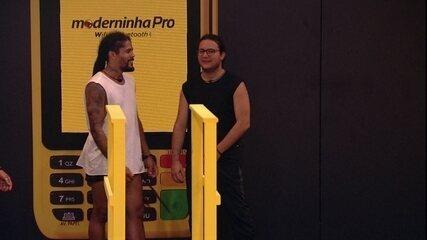 Diego alfineta Paula em conversa com Viegas