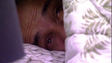 Ayrton chora no Quarto Tropical
