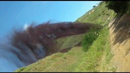 Acidente ecológico derrama polpa de minério em rio de MG