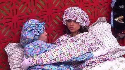 Paula conta a Jéssica conversa entre Breno e Ana Clara