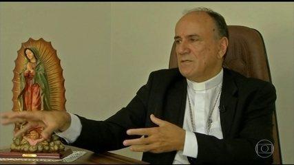 Bispo e mais cinco religiosos são presos em operação em GO