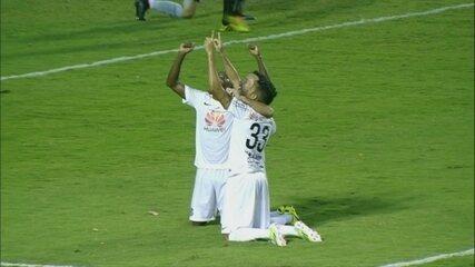 """Thiago Ribeiro comenta gol pelo Santos que """"salvou"""" Palmeiras do rebaixamento"""