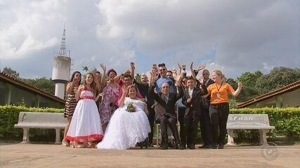 Casal se reencontra em lar para idosos após 48 anos e se casa: 'Destino'