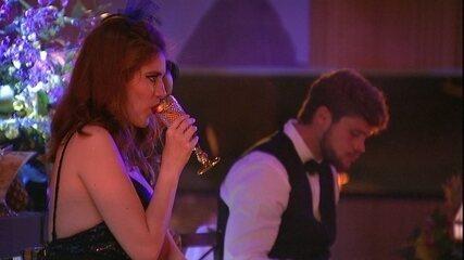 Ana Clara canta 'Estúpido Cupido'