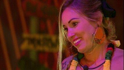 Jéssica confessa para Viegas que Lucas não faz seu 'tipo'