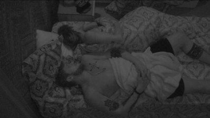 Casais dormem no Bangalô do Líder após Festa Reggae