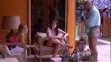 Jéssica, Ana Clara e Kaysar conversam sobre Viegas