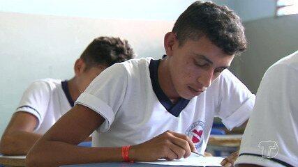 MEC entrega última versão da base comum curricular do ensino médio ao conselho de educação