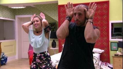 Kaysar e Jéssica inventam música para eles: 'Dança do burrinho'