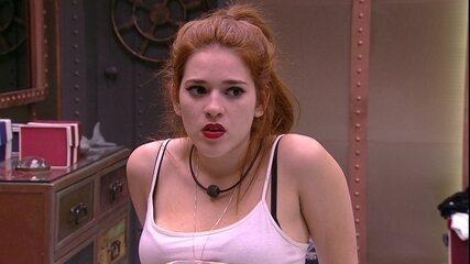 Ana Clara conta para brothers conversa que teve com Paula