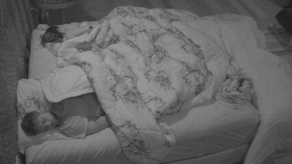 Brothers ainda dormem depois de noite de eliminação e nova formação de Paredão