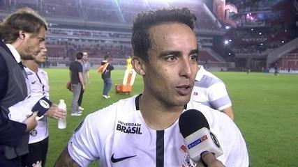 "Jadson brinca após gol de cabeça no Corinthians: ""Só fiz uns quatro"""