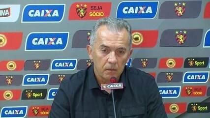 Nelsinho Baptista explica por que Carlos Henrique não jogou contra Botafogo