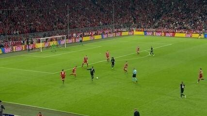 Cristiano Ronaldo também erra; veja o chute bisonho contra o Bayern