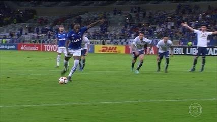 Cruzeiro tem noite memorável e Vasco empata pela Libertadores