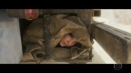 Maria se esconde no caminhão de Aldina