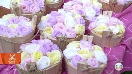 Artesão Peter Paiva ensina a fazer sabonete de rosas