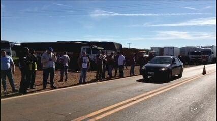 Caminhoneiros voltaram a protestar contra aumento do diesel na região de Itapetininga