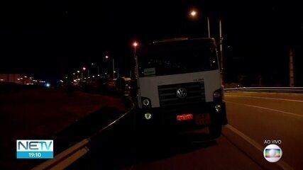 Justiça expede notificação para que caminhoneiros desobstruam vias de acesso ao Porto de Suape