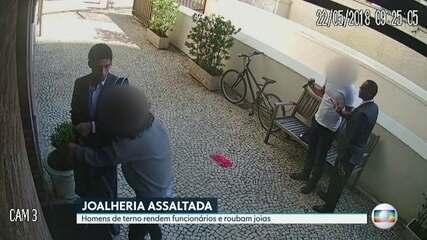 Homens de terno assaltam joalheria no Leblon
