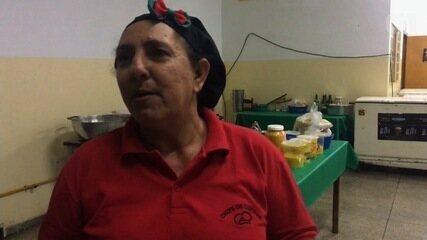 Após perder 2 filhos, ex-vendedora se inspira em Ana Maria Braga e vira chef de cozinha