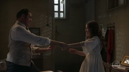 Darcy aceita o pedido de casamento de Elisabeta