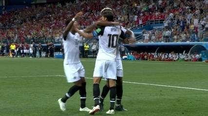 Gol da Costa Rica! Bryan Ruíz marca de pênalti e empata aos 46 do 2º tempo