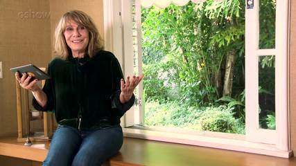 Renata Sorrah revê cenas e relembra bastidores nos 30 anos de 'Vale Tudo'. Assista!