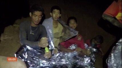 Recomeça operação de resgate em caverna da Tailândia