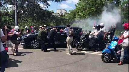 Torcedores escoltam chegada de Buffon ao Parque dos Príncipes
