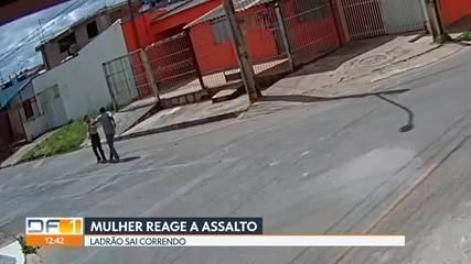 Mulher reage a assalto e ladrão sai correndo
