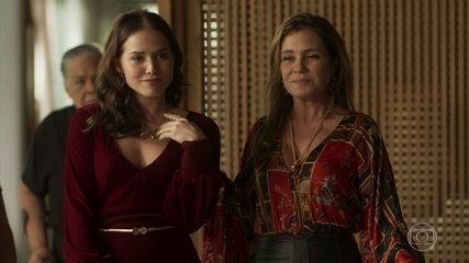 Laureta apresenta Rosa como sua nova sócia