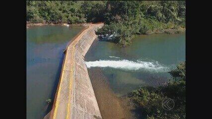 Rompimento de barreira no Rio Araguari causa problemas ambientais em Uberlândia