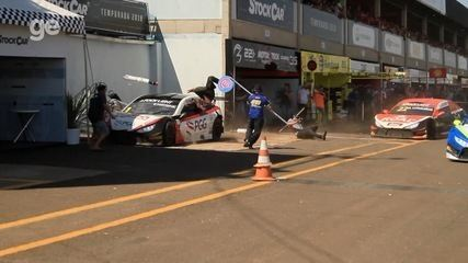 Vídeo mostra colisão entre carros e pessoas feridas durante Stock Car em MS