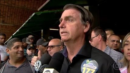 Jair Bolsonaro cumpriu agenda de campanha no Rio de Janeiro nesta terça-feira (28)