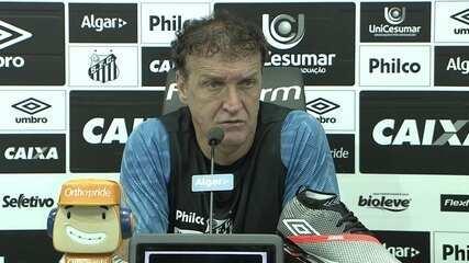 Veja a entrevista do técnico Cuca no Santos nesta sexta-feira