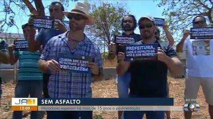 Moradores fazem manifestação por pavimentação em ruas da 408 e 508 norte em Palmas