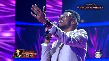 "Kevin Ndjana canta ""A Lua Que Eu Te Dei"""