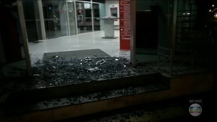 Assalto a banco termina em troca de tiros entre polícia e crimonosos em Bauru, SP