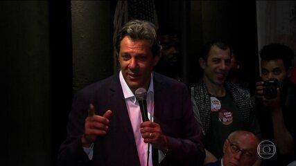 Candidato do PT, Fernando Haddad, faz campanha em São Paulo