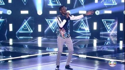 "Kevin Ndjana canta ""Chandelier"""
